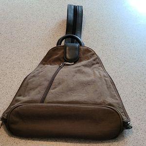 Baggallini metro backpack